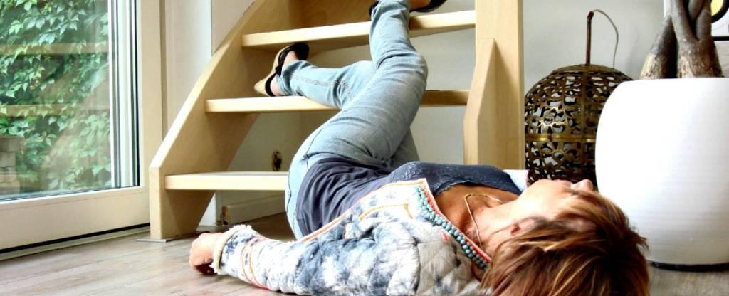 huishoudelijk ongeval, trap, bewusteloos